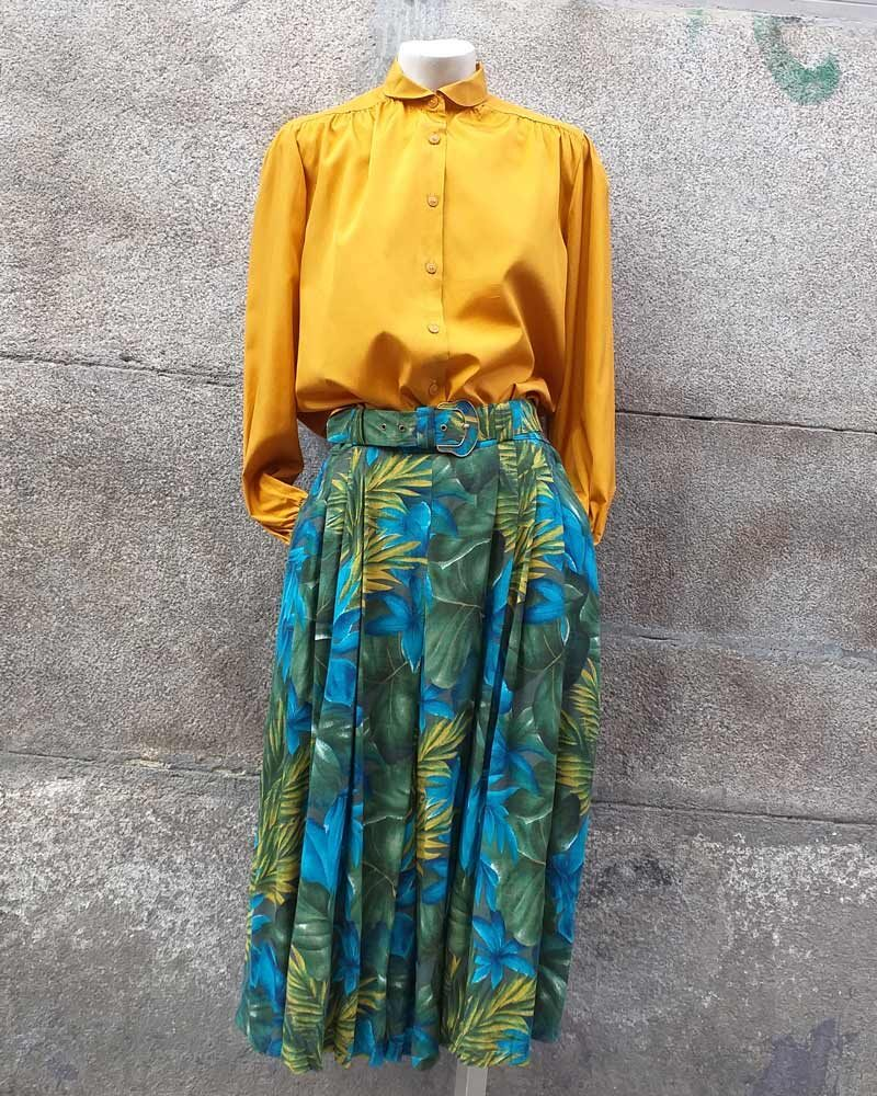 Falda vintage con un original estampado tropical